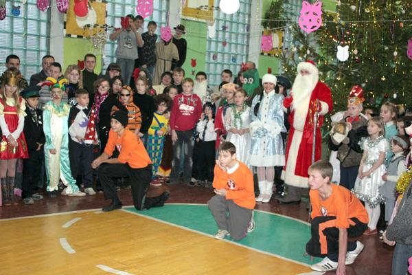 В Новый год с ощущением сказки. В Беларуси продолжается акция «Наши дети»