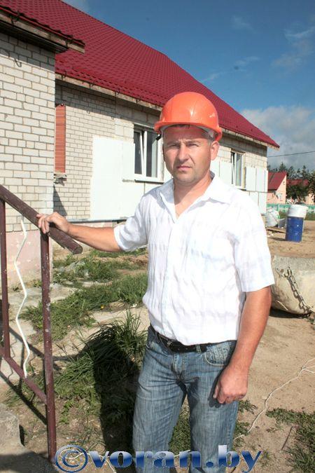 12 августа — День строителя. На строительной площадке