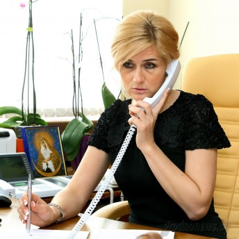Прямую телефонную линию провела заместитель председателя облисполкома Елена Агей