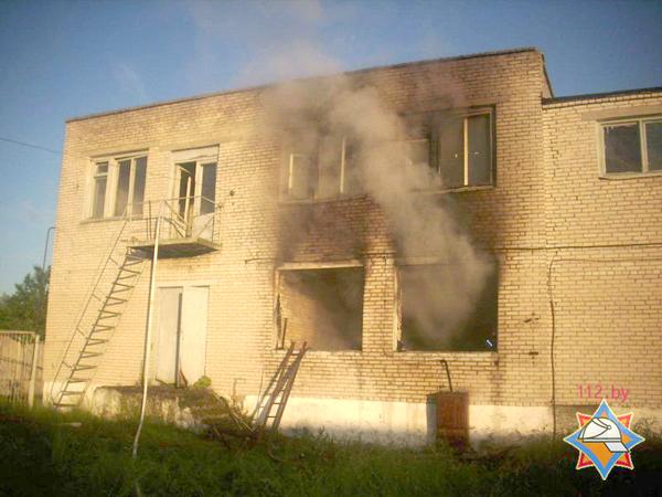 Пожар в здании склада в г.п. Вороново