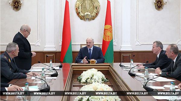 Лукашенко потребовал скоординированной работы в решении проблемы возврата дебиторской задолженности