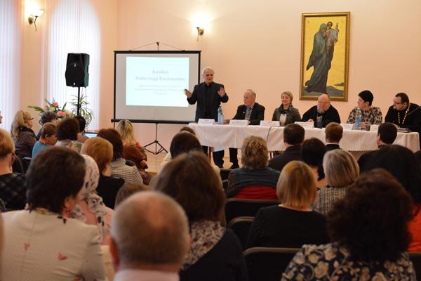 Архиепископ Артемий принял участие в Республиканском научно-практическом семинаре, посвященном взаимодействию Церкви и учреждений образования
