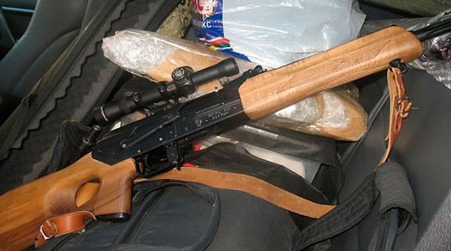 Россиянин пытался вывезти из Беларуси в Литву две винтовки и пистолет