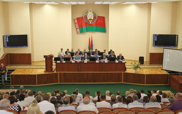 В Лиде прошло выездное заседание областного исполнительного комитета