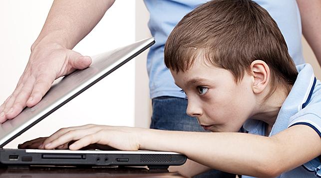 Как уберечь детей от компьютерной зависимости?