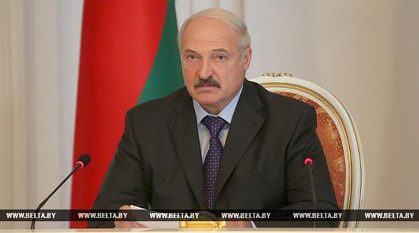 «Одних запретов недостаточно» – Лукашенко призывает найти новые подходы в борьбе с курением