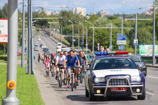 Гродненские велосипедисты проехали «Кiламетры Перамогi»