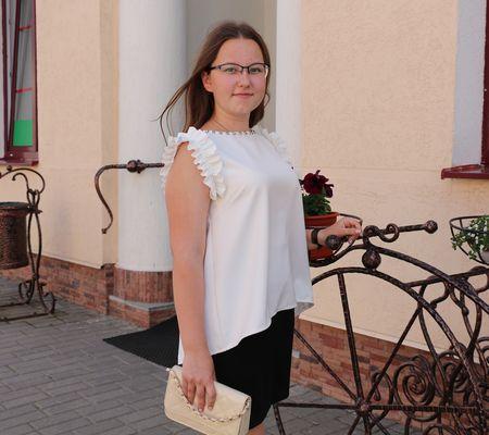 В нынешнюю вступительную кампанию Илона Куней из Радуни стала первой обладательницей 100-балльного результата по ЦТ в нашем районе
