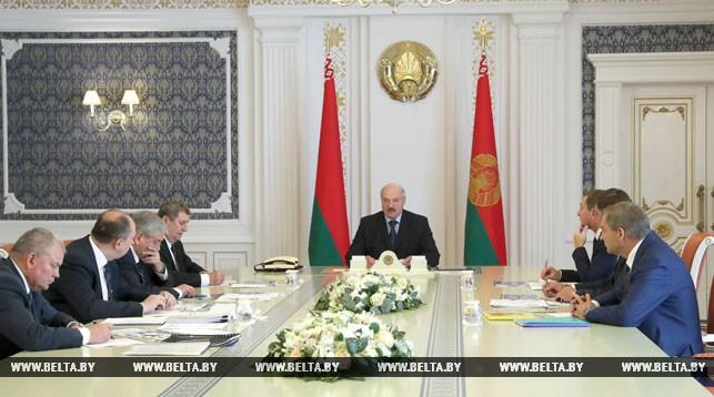 Лукашенко: развитие отечественного тракторостроения затрагивает интересы всего государства