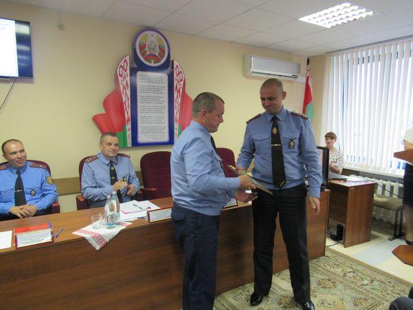 На оперативном совещании в Вороновском отделе Департамента охраны МВД Республики Беларусь рассматривался вопрос об итогах служебной деятельности за первое полугодие 2017 года