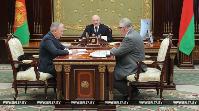 Вступительная кампания, учебники, подготовка к 1 сентября — развитие образовательной сферы обсуждено на встрече у Лукашенко