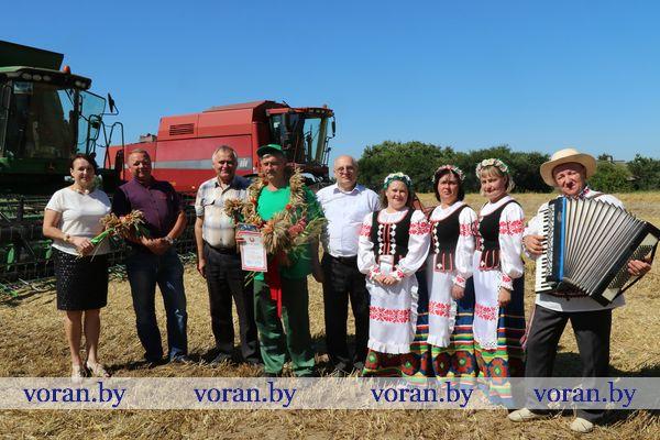 Первый комбайнер-тысячник в Вороновском районе