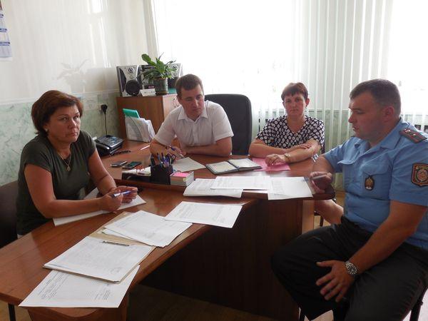 3 августа состоялось выездное заседание наблюдательной комиссии при Вороновском райисполкоме на территории Заболотского сельсовета, которое возглавил заместитель председателя райисполкома Андрей Карпович