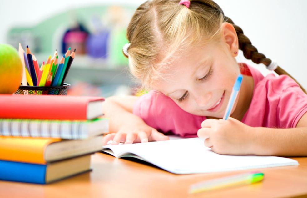 С 1 сентября домашних заданий для школьников станет меньше (+Видео)