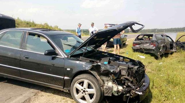 Под Волковыском пьяный лихач уходил от погони и протаранил машину с детьми