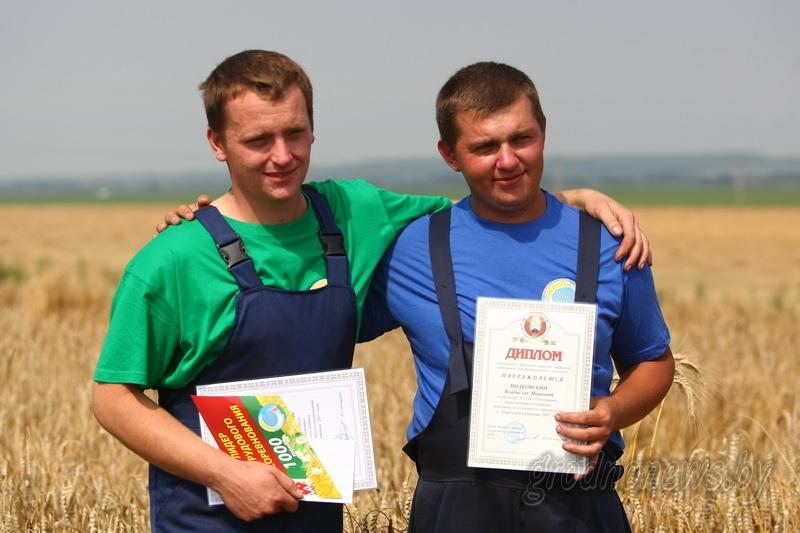 Первые комбайнеры-тысячники появились в этом году в Гродненской области