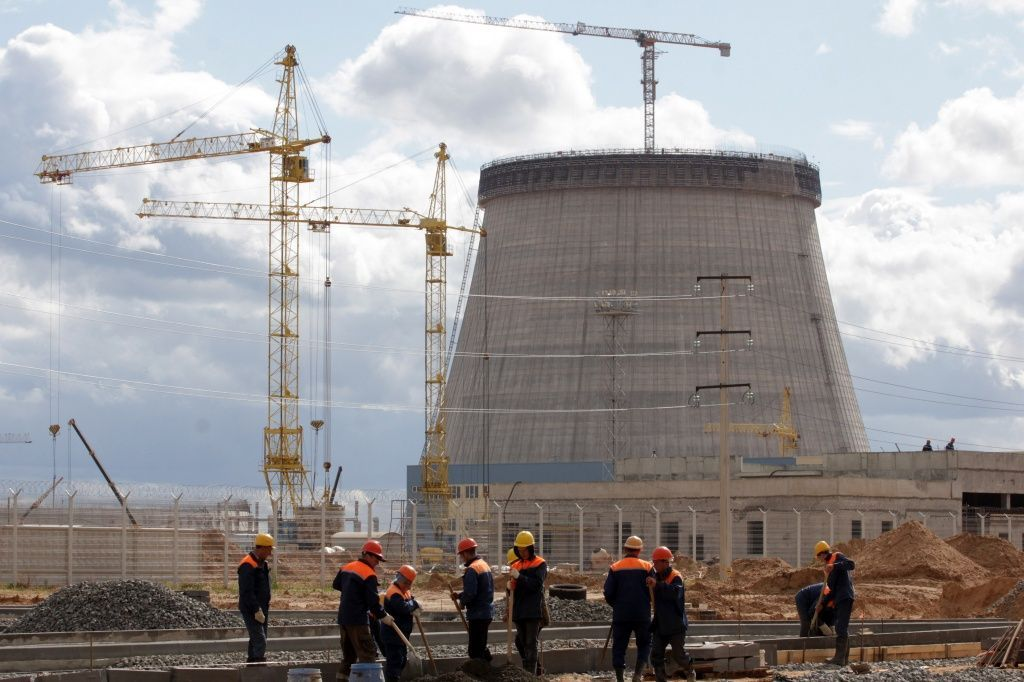 Белорусскую АЭС испытывают на прочность