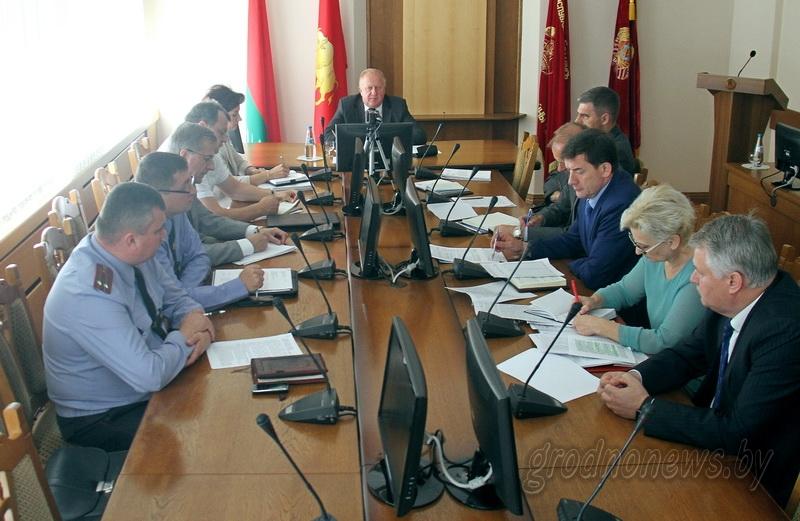 Жизненные вопросы: заседание Совета по демографической безопасности области прошло в облисполкоме