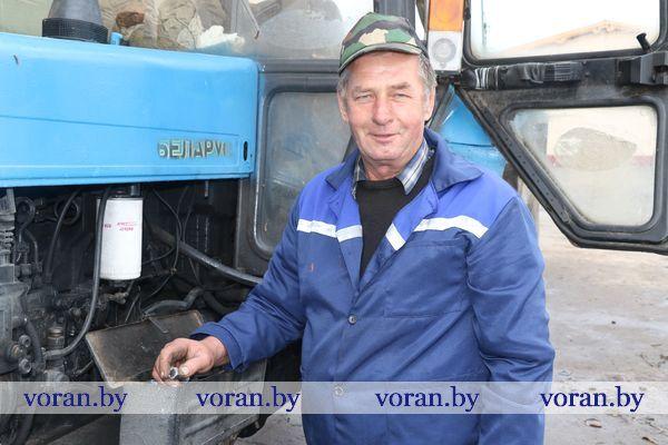 Медалью «За трудовые заслуги» награжден механизатор КСУП «Дотишки» Альфред Родевич