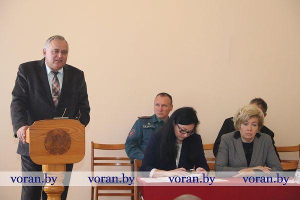 Большой разговор на важные темы состоялся во время встречи руководства Вороновского района со священнослужителями 26 сентября