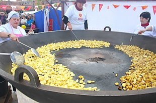 Угощение для всех. Огромную сковороду картофеля приготовят на областном фестивале тружеников села «Дажынкі» в Свислочи