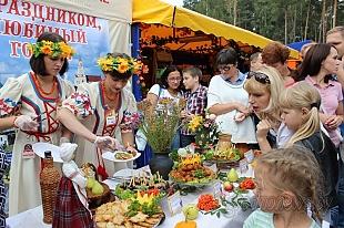 Десерт из картофеля и стрельба из «бульбамета». В Гродно прошел первый фестиваль национальных блюд и напитков «Карто-fun»