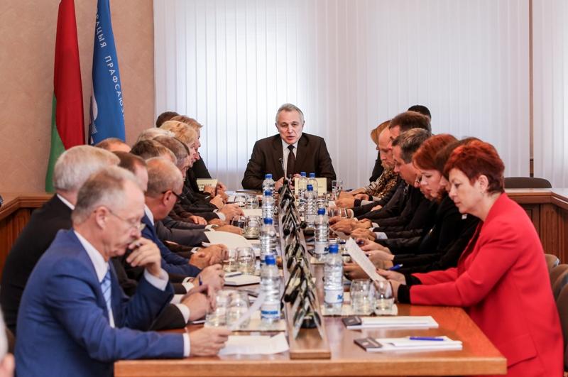 Профсоюзы и парламентарии обсудили совместные действия по некоторым вопросам трудового законодательства