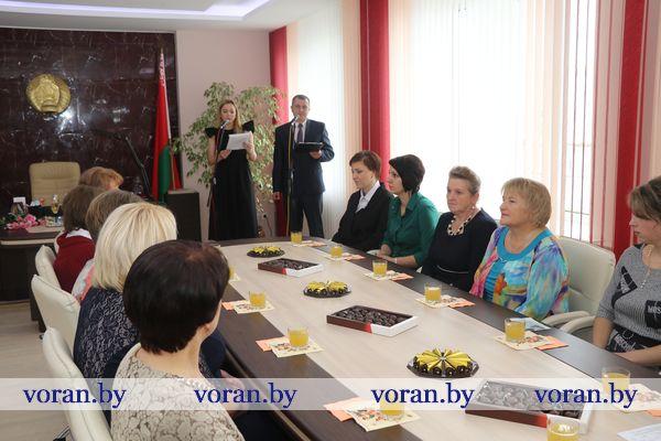 13 октября накануне Дня матери в Вороновском райисполкоме прошел торжественный прием