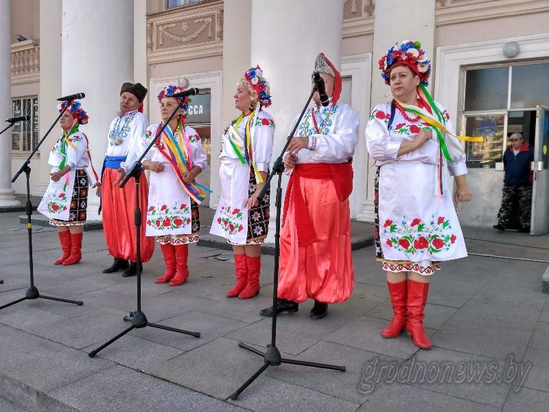 Музыка осени звучала в центре Гродно