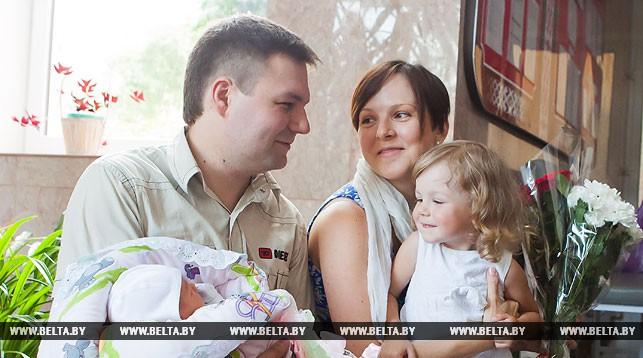 Александр Лукашенко: семья и материнство являются приоритетами социальной политики Беларуси