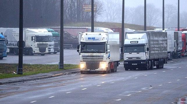 Пограничники предупреждают о возможных очередях грузовиков на белорусско-польской границе