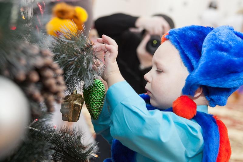 Около 11 тысяч детей получат подарки во время областной акции «Наши дети»