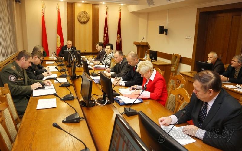 Важна каждая жизнь: заседание совета по демографической безопасности прошло в облисполкоме