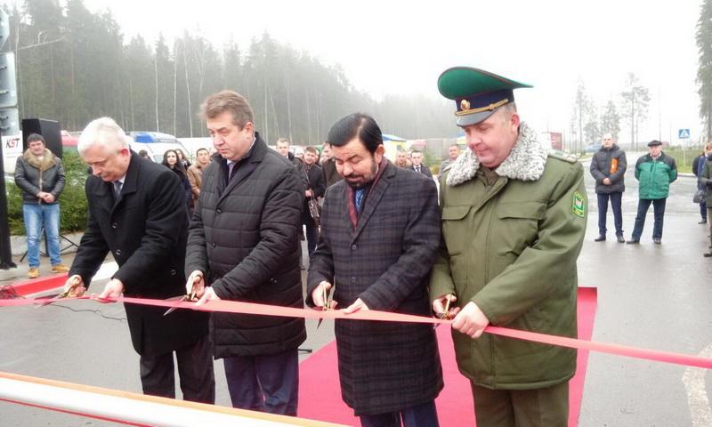 Комплекс придорожного сервиса с электронной очередью для грузовиков сегодня торжественно открыли в ПП «Котловка»