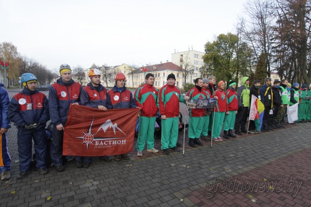 «Школа выживания»: под Гродно стартовал международный марафон