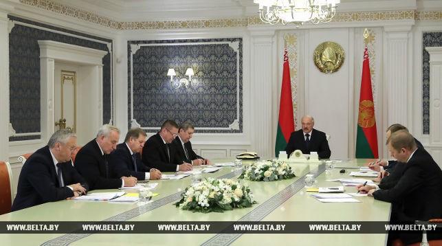 Александр Лукашенко ждет более эффективной работы по оздоровлению сельхозорганизаций (+Видео)