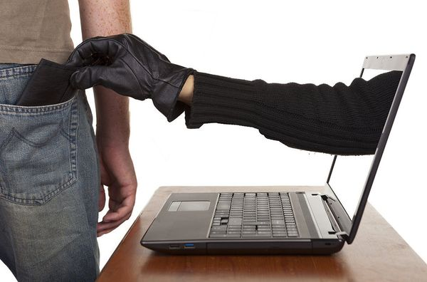 Осторожно:  мошенники в интернете