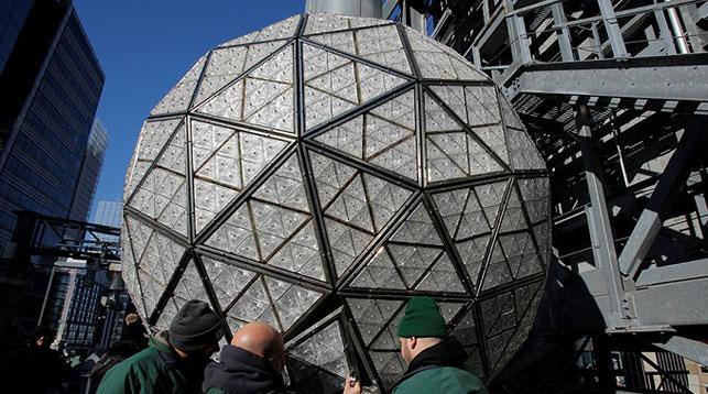 Новогодний хрустальный шар в Нью-Йорке будет видно из космоса