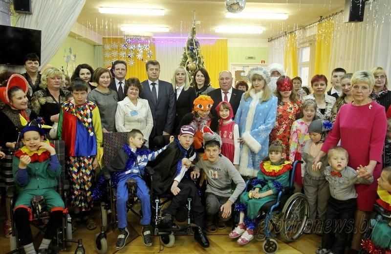Тепло и заботу каждому ребенку. Участники акции «Наши дети» посетили центр коррекционно-развивающего обучения и реабилитации в Гродно (+Видео)