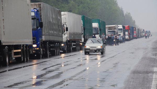 Более 780 грузовиков ожидают выезда на границе с Литвой