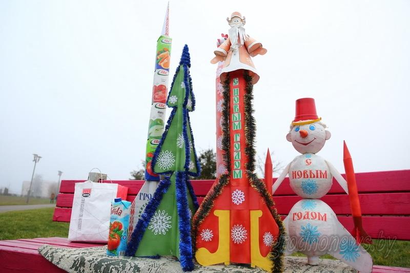 Летающие ели, снеговик и Дед Мороз. В Гродно запустили новогодние модели ракет