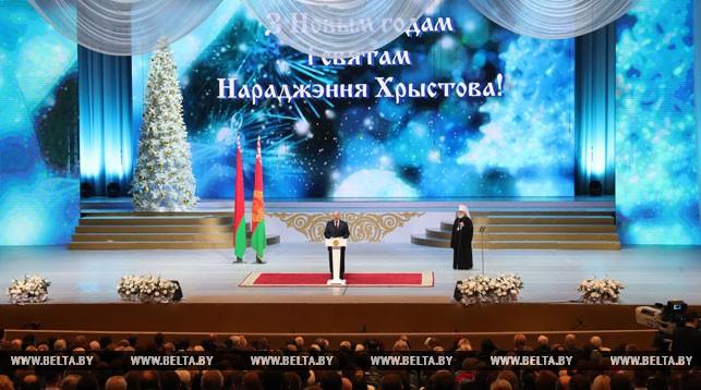 «Пробуждают чувство гордости за свой народ» — Александр Лукашенко вручил премии «За духовное возрождение» и специальные премии 2017 года