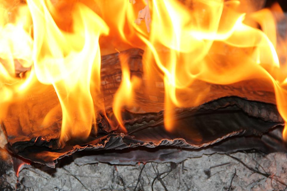 В области за сутки произошло 5 пожаров, в ДТП спасен 1 человек