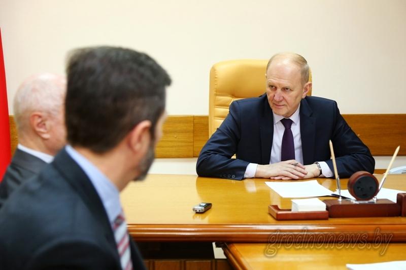 Председатель областного исполнительного комитета Владимир Кравцов провел прием граждан в облисполкоме