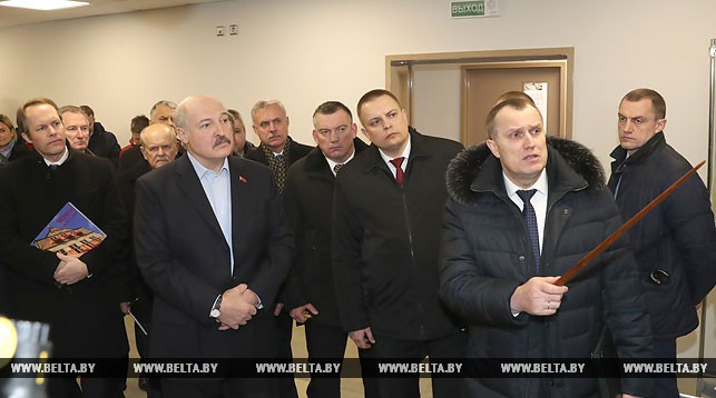 Лукашенко требует удвоить зарплату учителям в ближайшие годы
