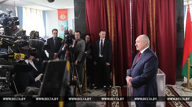 Лукашенко рассказал, за кого голосовал на выборах в местные Советы