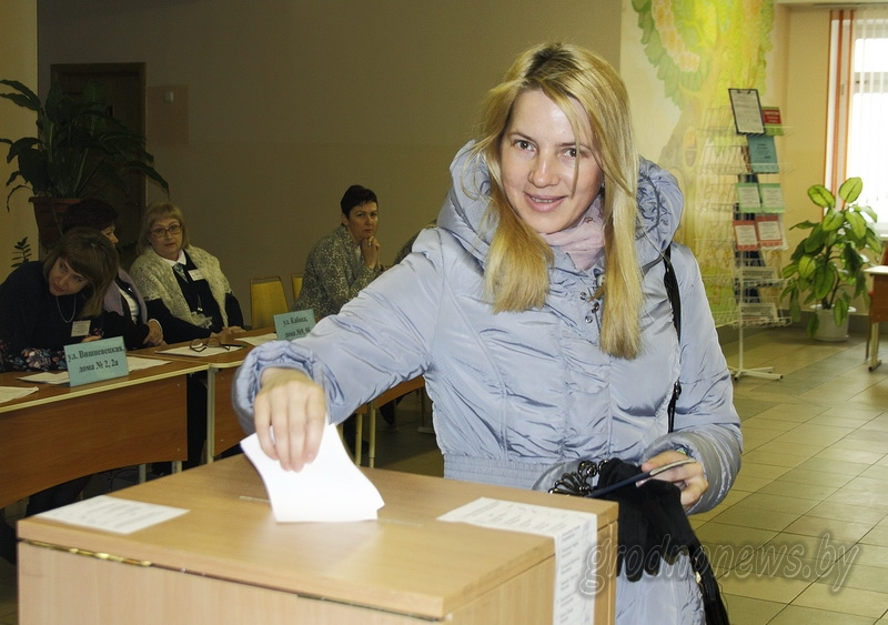 На Гродненщине в выборах депутатов местных Советов, по предварительным подсчетам, приняли участие 79,8 процента избирателей