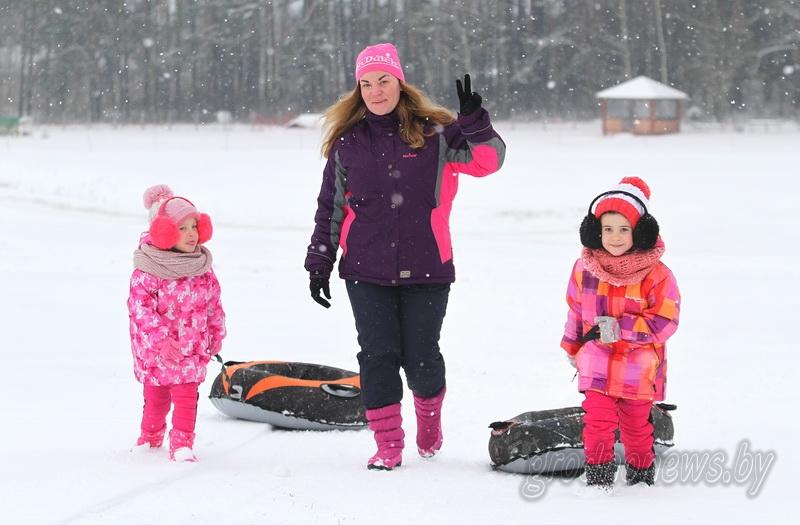 Цены тают, снег остается. К субботе вход на склоны «Коробчицкого Олимпа» и прокат инвентаря подешевеют вдвое