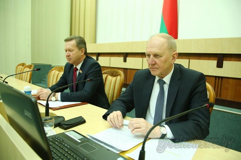 Приумножить достигнутое. На заседании сессии областного Совета депутатов рассмотрены итоги социально-экономического развития области в прошлом году и определены задачи на 2018 год