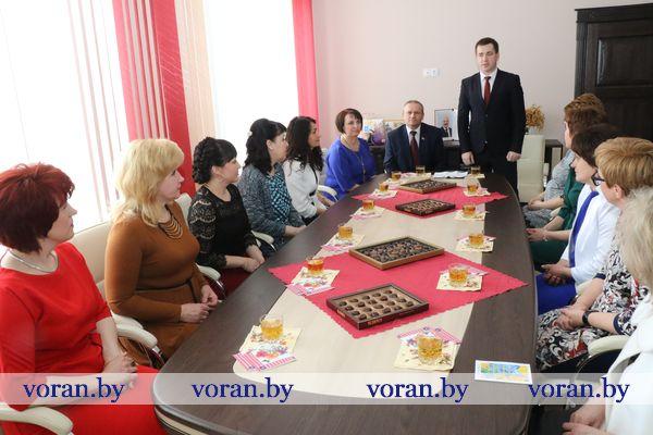 Лучших женщин района чествовали в Вороновском райисполкоме (Фото)